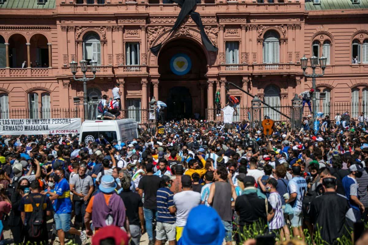 Alertan riesgo epidemiológico en Buenos Aires por funeral de Maradona   ORO :: Organización Radiofónica de Oaxaca
